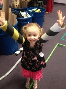 Field Trip Girl Gives Pretend City Two High Fives!